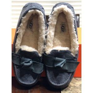 Ugg gray/blue Clara velvet ribbon suede slipper